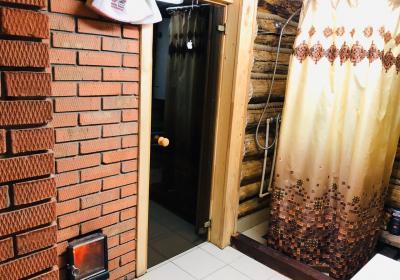 Русская баня на дровах с домиком.